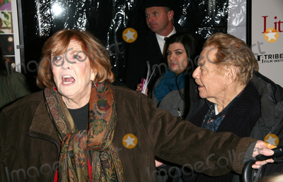 Anne Meara Photo - 15 December 2010 - New York NY - Anne Meara and Jerry Stiller  The world premiere of Little Fockers at Ziegfeld Theatre on December 15 2010 in New York City Photo Paul ZimmermanAdMedia