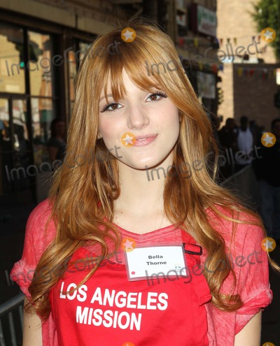 Anne Douglas Photo - 21 November 2012 - Los Angeles California - Bella Thorne Kirk And Anne Douglas Host 8th Annual Thanksgiving For Skid Row Homeless At Los Angele Mission Held At The Los Angeles Mission Photo Credit Kevan BrooksAdMedia