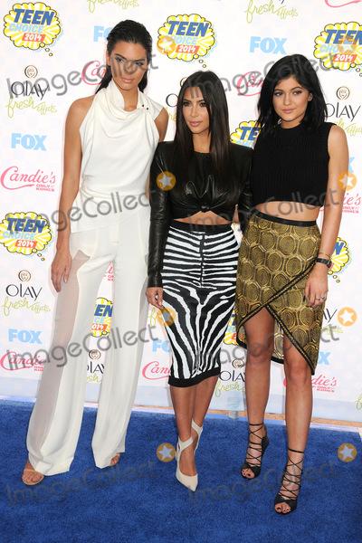 Kylie Jenner Photo - 10 August 2014 - Los Angeles California - Kendall Jenner Kim Kardashian Kylie Jenner Teen Choice Awards 2014 - Arrivals held at the Shrine Auditorium Photo Credit Byron PurvisAdMedia