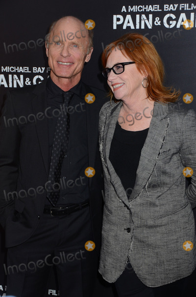 Amy Madigan Photo - 22 April 2013 - Hollywood California - Ed Harris Amy Madigan Los Angeles Premiere of Paramount Pictures PAIN  GAIN at TCL Chinese Theatre Photo Credit BirdieThompsonAdMedia