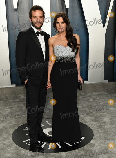 Idina Menzel Photo - 09 February 2020 - Los Angeles California -  2020 Vanity Fair Oscar Party following the 92nd Academy Awards held at the Wallis Annenberg Center for the Performing Arts Photo Credit Birdie ThompsonAdMedia