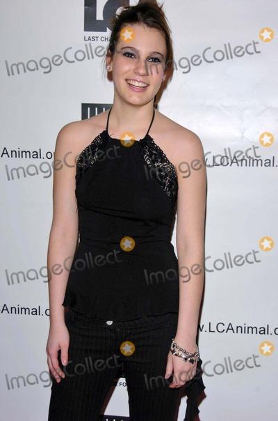 Ashlyn Dixon Photo - Ashlyn Dixonat the Los Angeles Premiere of HBOs Dealing Dogs Paramount Theatre Los Angeles CA 03-26-06
