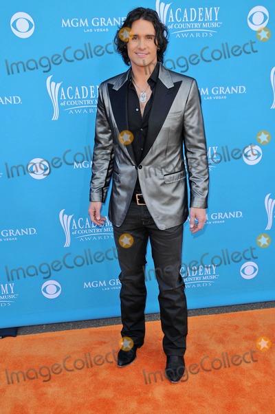 Joe Nichols Photo - Joe Nichols at the 45th Academy of Country Music Awards Arrivals MGM Grand Garden Arena Las Vegas NV 04-18-10