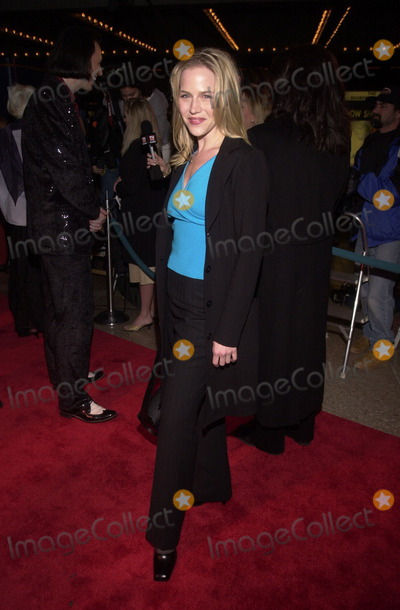 ABBA Photo - Julie Benz at the premiere of MAMA MIA the musical based on the songs of ABBA Schubert Theater Century City 02-26-01
