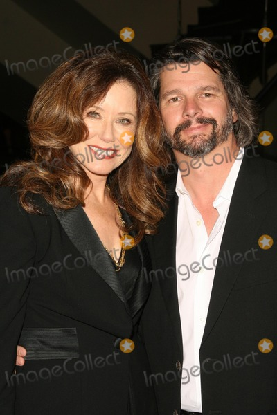 Ronald D Moore Photo - Mary McDonnell and Ronald D Mooreat the Envelope Screening Series of Battlestar Galactica Mann 6 Theaters Hollywood CA 06-04-09