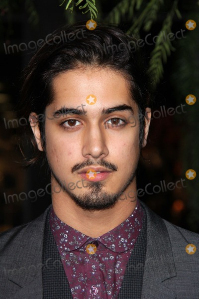 Avan Jogia Photo - Avan Jogiaat the Beautiful Creatures World Premiere Chinese Theater Hollywood CA 02-06-13