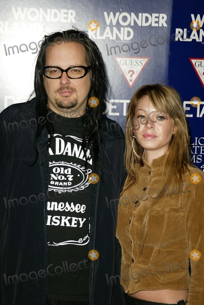 Jonathan Davis Photo - Jonathan Davis and wife at the Los Angeles premiere of Lions Gate Films Wonderland at the Chinese Theater Hollywood CA 09-24-03
