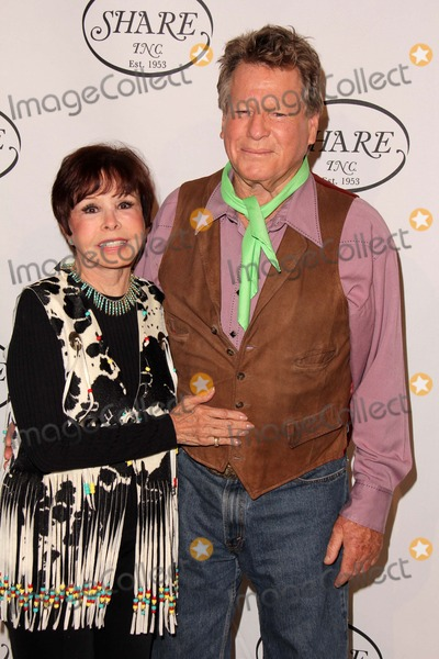 Neile McQueen Photo - Ryan ONeal Neile McQueenat the SHARE 60th Annual Denim  Diamonds Boomtown Event Beverly Hilton Hotel Beverly Hills CA 05-11-13