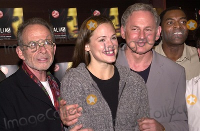 Alias Photo - Ron Rifkin Jennifer Garner Victor Garber and Carl Lumbly at an in store appearance by the cast of ALIAS to help launch two new official books ALIAS Declassified and ALIAS Recruited Barnes  Noble The Grove Los Angeles CA 10-08-02