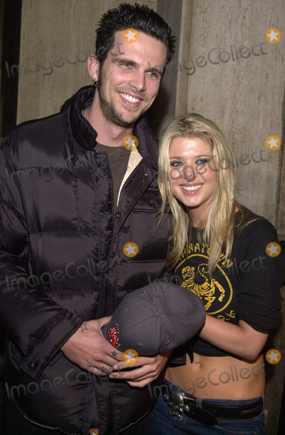 Ashley Hamilton Photo -  TARA REID and ASHLEY HAMILTON at the launch party for the new Nintendo Game Cube system sponsored by MTV in Hollywood 10-03-01