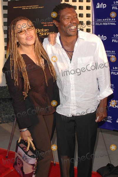 Kasi Lemmons Photo - Kasi Lemmons and her husband Vondie Curtis-Hall at the 2004 Los Angeles Film Festivals Centerpiece Premiere of Before Sunset at the ArcLight Cinerama Dome Hollywood CA 06-23-04