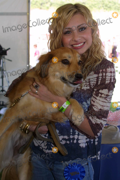 Alyson Aly Michalka Photo - Alyson (Aly) Michalkaat the Nuts For Mutts Dog Show Pierce College Woodland Hills CA 04-30-06