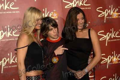 Julie McCullough Photo - Julie McCullough Marsen Hefner and Penelope Jimmenez at The Launch of Spike TV Playboy Mansion Los Angeles Calif 06-10-03