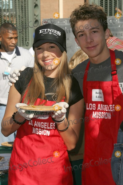 Ashley Edner Photo - Ashley Edner and Bobby Edner at the Los Angeles Mission where a Christmas Meal and Gifts were given to the homeless LA Mission Los Angeles CA 12-24-04