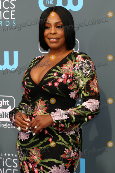 Niecy Nash Photo - Niecy Nashat the 23rd Annual Critics Choice Awards Barker Hanger Santa Monica CA 01-11-18