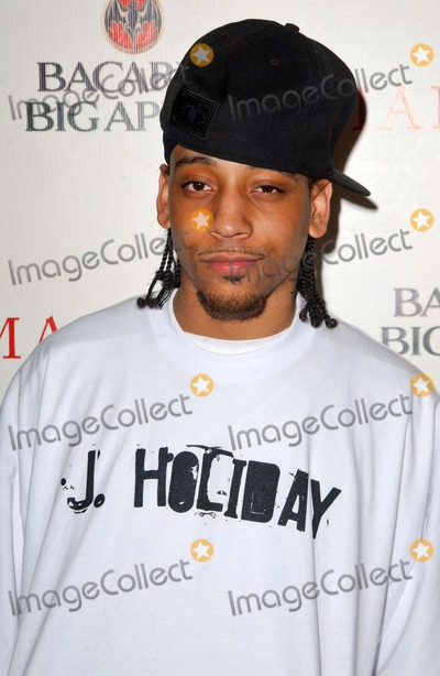 J Holiday Photo - J Holidayat the Hip Hop Photo Exhibit of work by Johanthan Mannion hosted by Bacardi Big Apple 222 Gallery Los Angeles CA 06-26-06