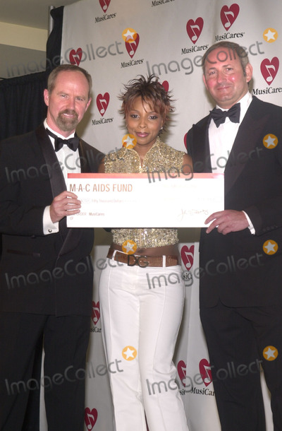 Michael Greene Photo - Michael Green Mary J Blige and the President of MAC AIDS Foundation at the 12th Annual Gala Tribute to Benefit Musicares Century Plaza Hotel Century City 02-25-02