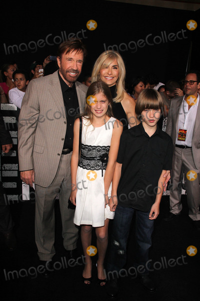 Chuck Norris Photo - Chuck Norris and familyat the The Expendables 2 Los Angeles Premiere Chinese Theater Hollywood CA 08-15-12