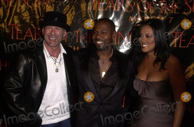 Antoine Fuqua Photo - Bruce Willis and Antoine Fuqua and Lela Rochon at the Columbia TriStar premiere of Tears Of The Sun Mann Village Theatre Westwood CA 03-03-03