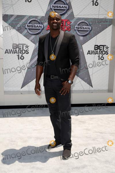 Akon Photo - Akonat the 2016 BET Awards Arrivals Microsoft Theater Los Angeles CA 06-26-16