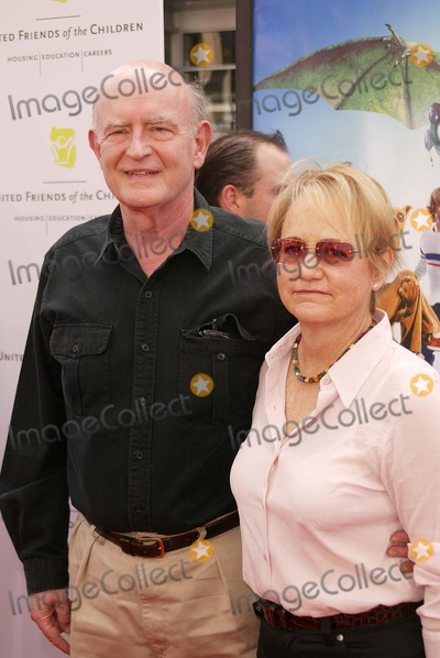 Scooby-Doo Photo - Peter Boyle and wife at the World Premiere of Warner Bros Scooby Doo 2 Monsters Unleashed at the Chinese Theater Hollywood CA 03-20-04
