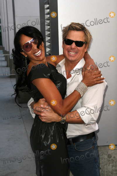 Kato Kaelin Photo - Julie Brown and Kato Kaelinat the induction ceremony for Bill Maher into the Hollywood Walk of Fame Hollywood CA 09-14-10
