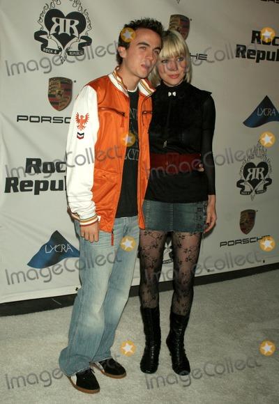 Frankie Muniz Photo - Frankie Muniz and friendat the Rock and Republic Spring 2006 Show Sony Studios Culver City CA 10-19-05