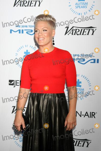 Alecia Moore Photo - Pink Alecia Moore Hartat the Autism Speaks Celebrity Chef Gala Barker Hanger Santa Monica CA 10-08-15