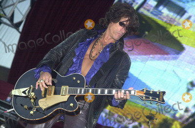 Aerosmith Photo -  Joe Perry of Aerosmith at the KIIS FM annual Wango Tango concert Dodger Stadium 06-01-01