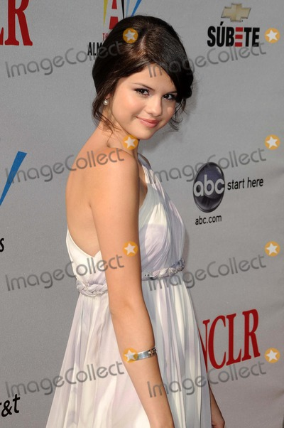 Selena Gomez Photo - Selena Gomez at the 2008 ALMA Awards Pasadena Civic Auditorium Pasadena CA 08-17-08