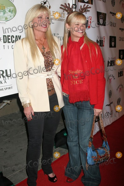Julie McCullough Photo - Pamela Bach and Julie McCulloughat the FULCAGE Fashion And Charity Event to benefit the Single Mom Foundation BLVD3 Hollywood CA 12-05-07