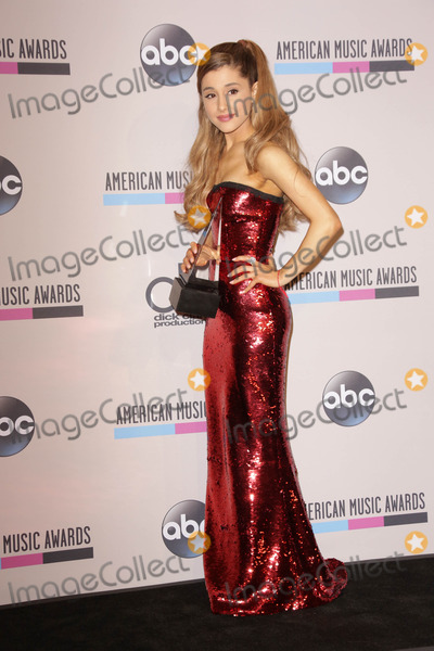 Ariana Grande Photo - Ariana Grandeat The 2013 American Music Awards - Press Room  Nokia Theater Los Angeles CA 11-24-13