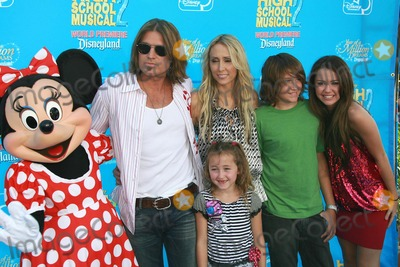 Cyrus Family Photo - The Cyrus Familyat the world premiere of Disneys High School Musical 2 Downtown Disney Anaheim CA 08-14-07