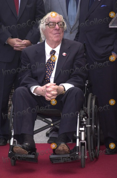 Ray Bradbury Photo - Ray Bradbury at the Star on the Walk of Fame ceremony 04-01-02