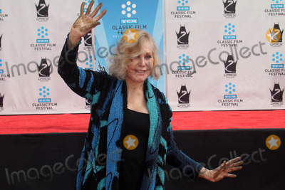 Kim Novak Photo - Kim Novakat the Kim Novak Hand and Foot Print Ceremony to coincide with the TCM Film Fest Chinese Theater Hollywood CA 04-14-12