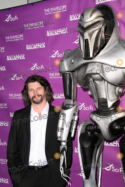Ronald D Moore Photo - Ronald D Moore at the Exclusive Celebration of Battlestar Galactica Cinerama Dome Hollywood CA 06-11-08