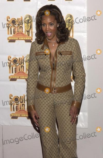 Vivica A Fox Photo -  Vivica A Fox at the 14th Annual Soul Train Music Awards Los Angeles 03-04-00