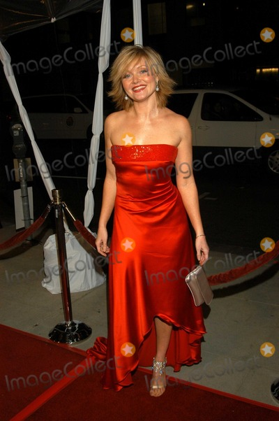Essie Davis Photo - Essie Davis at Los Angeles Premiere of Girl With A Pearl Earring The Academy of Motion Picture Arts and Sciences Beverly Hills Calif 12-10-03