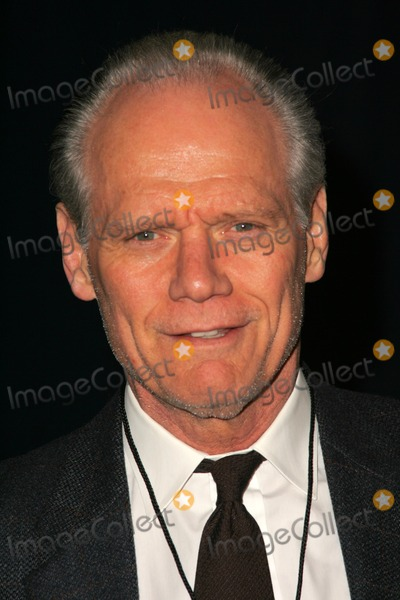 Fred Dryer Photo - Fred Dryer at the opening of the musical Rock of Ages The Vanguard Theatre Hollywood CA 01-28-06