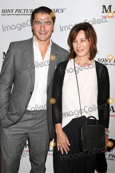 Anne Archer Photo - Tommy Davis Anne Archerat the Mark Felt The Man Who Brought Down The White House Premiere Writers Guild Theater Beverly Hills CA 09-26-17
