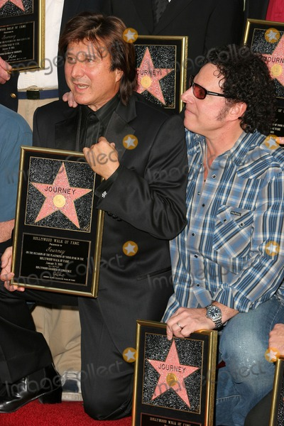 Steve Perry Photo - Steve Perry and Neal Schon at Journeys induction into the Hollywood Walk of Fame Hollywood Blvd Hollywood CA 01-21-05