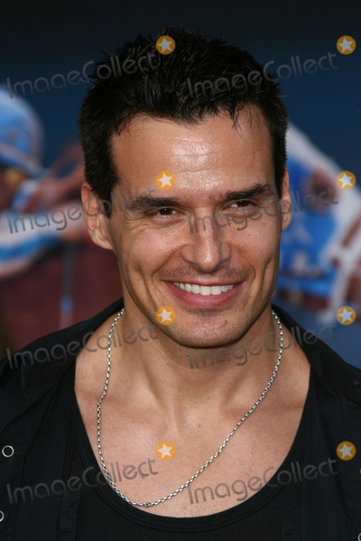 Antonio Sabato Jr Photo - Antonio Sabato Jrat the Secretariat Los Angeles Premiere El Capitan Hollywood CA 09-30-10
