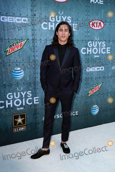 Peter Gadiot Photo - Peter Gadiotat the Guys Choice Awards 2015 Sony Studios Culver City CA 06-06-15