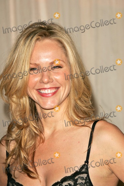 Andrea Roth Photo - Andrea Roth at the 1st Annual Noche De Ninos Benefit for Childrens Hospital Los Angeles at the Beverly Hilton Hotel Beverly Hills CA 10-02-04