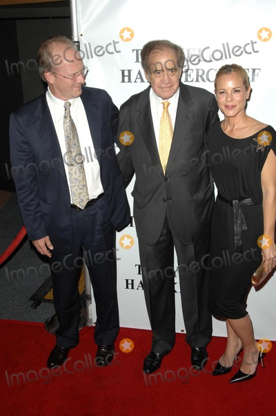 Arthur Cohn Photo - William Hurt with Arthur Cohn and Maria Bello at the Los Angeles Premiere of The Yellow Handkerchief WGA Theatre Beverly Hills CA 11-25-08