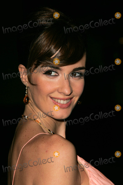 Paz Vega Photo - Paz Vegaat the premiere of 10 Items Or Less Paramount Theater Los Angeles CA 11-27-06