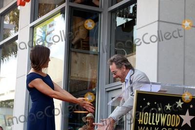 Bryan Cranston Photo - Jennifer Garner Bryan Cranstonat the Jennifer Garner Star Ceremony Hollywood Walk of Fame Hollywood CA 08-20-18