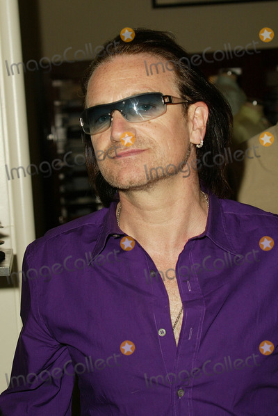 Ali Hewson Photo - Bono at the launch of Conscious Commerce Clothing featuring Edun contemporary fashions designed by Rogan Gregory in collaboration with Bono and wife Ali Hewson Saks Fifth Avenue Beverly Hills CA 03-25-05