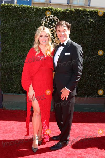 Daphne Oz Photo - Daphne Oz Mehmet Ozat the 44th Daytime Emmy Awards - Arrivals Pasadena Civic Auditorium Pasadena CA 04-30-17