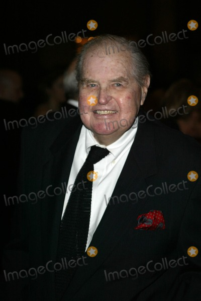 Henry Bumstead Photo - Henry Bumstead at the 9th Annual Art Directors Guild Awards Beverly Hilton Hotel Beverly Hills CA 02-12-05